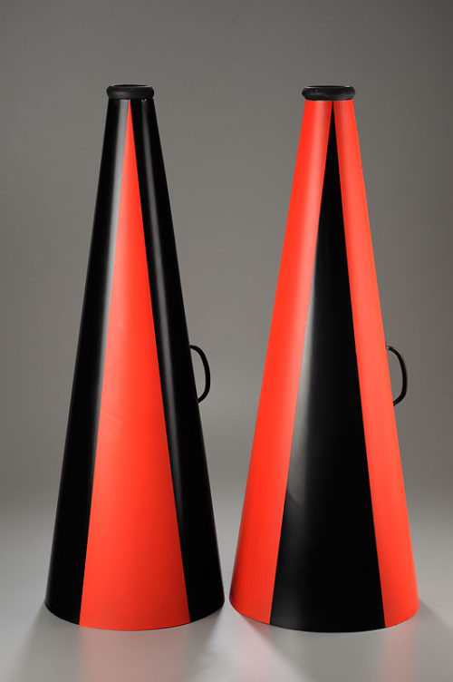 <i>Mime 2</i><br>Aluminum, ceramic, paint, cast<br>2 at 30 x 11 x 11 inches<br>2013